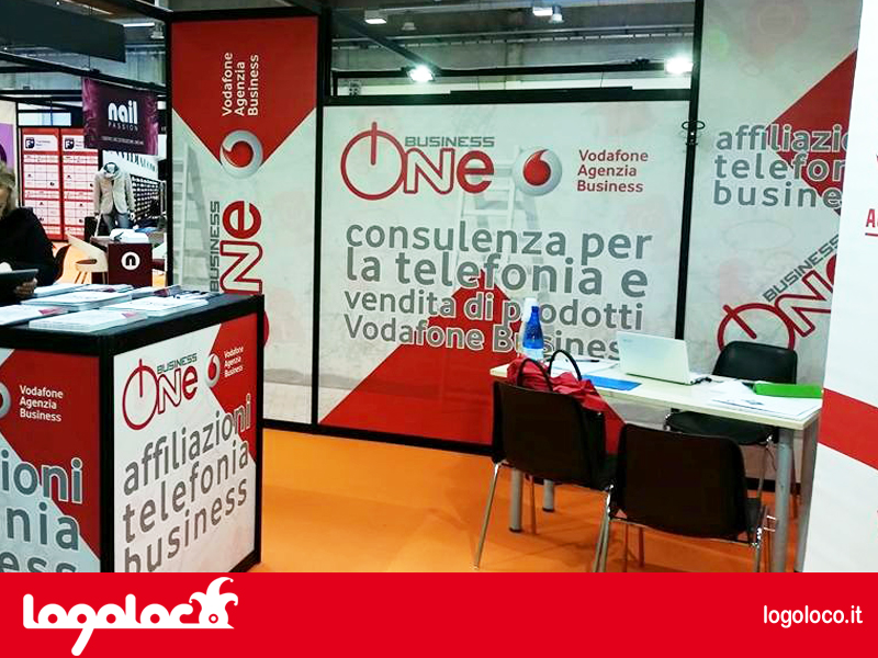 logoloco stand business one franchising nord 2015 - foto 1